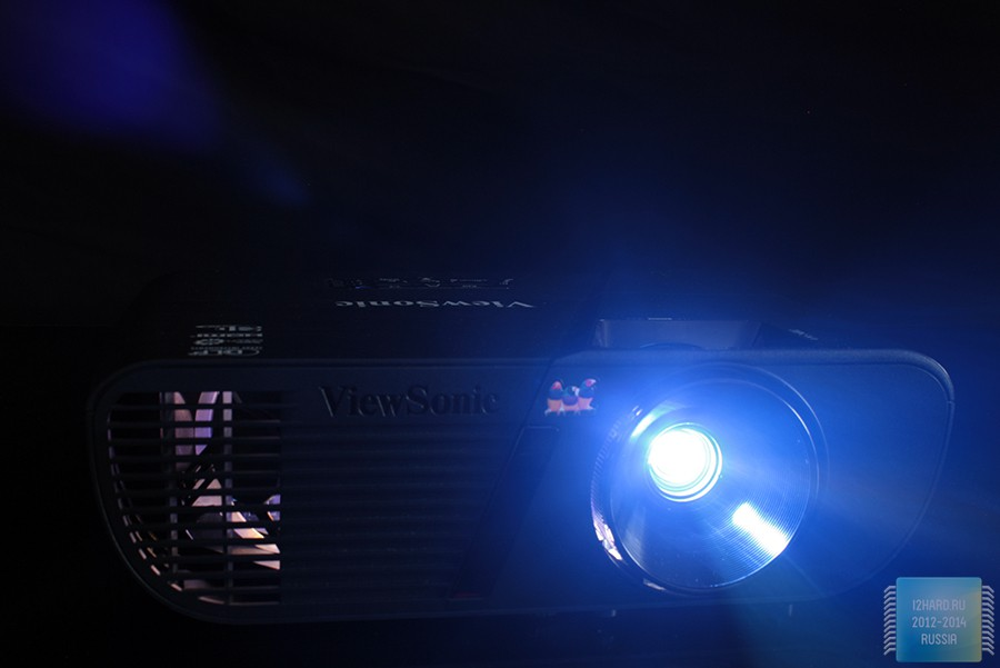 Проектор в темногте