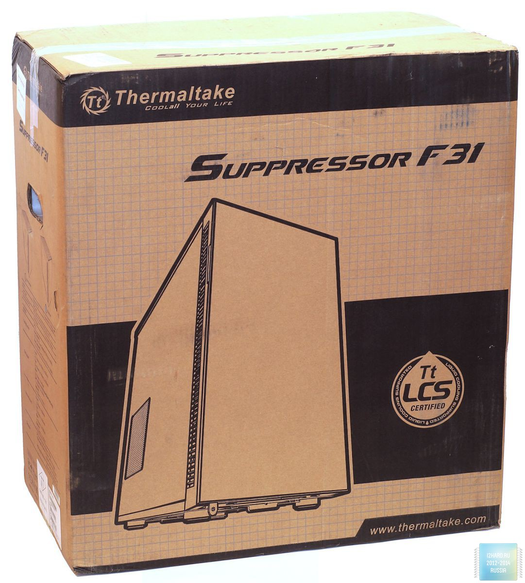 Упаковка и комплектация корпуса Thermaltake Suppressor F31