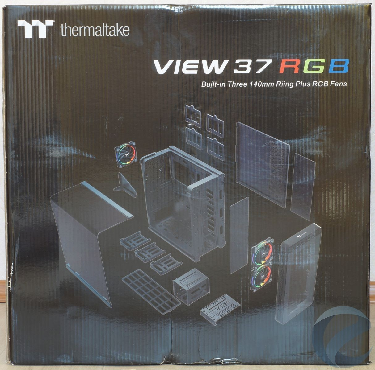 Упаковка и комплектация Mid-Tower корпуса Thermaltake View 37 RGB Edition