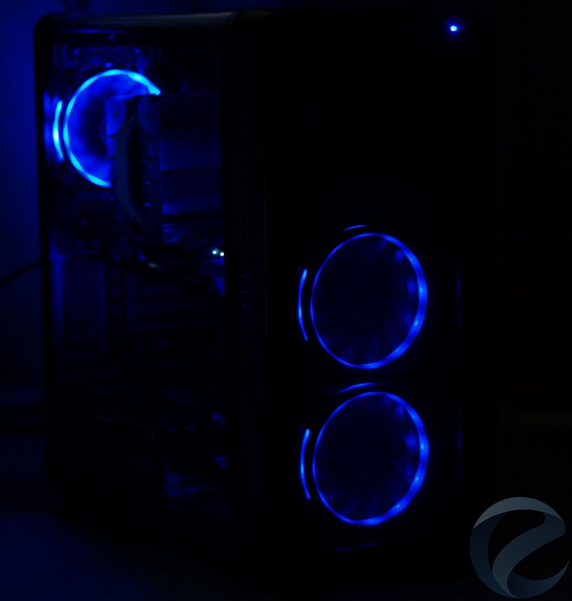 RGB подсветка Mid-Tower корпуса Thermaltake View 37 RGB Edition