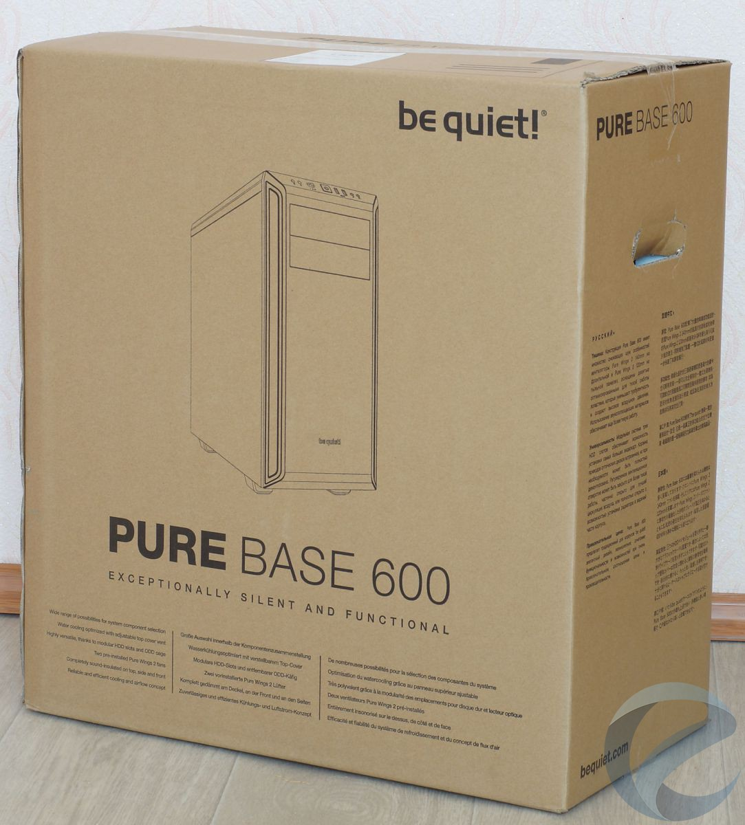 Упаковка и комплектация корпуса be quiet! Pure Base 600